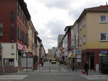 Fußgängerzone in der Bahnhofstraße.