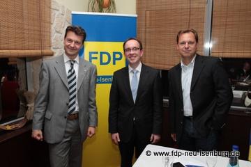 v.l.n.r.: Jörg Müller (Ortsvorsitzender), Stefan Müller (verkehrspolitischer Sprecher der FDP-Landtagsfraktion) und Thilo Seipel (stellv. Ortsvorsitzender).