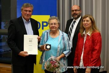 v.l.n.r.: Dr. Wolfgang Gerhardt, Edith Reitz, Axel Vogt (Kreisgeschäftsführer) und Helga Gräber (stellv. Fraktionsvorsitzende).