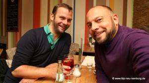 Robert Hesse (links), Beisitzer im Kreisvorstand der FDP Leipzig und Alexander Jungmann (rechts), stellv. Vorsitzender der FDP Neu-Isenburg