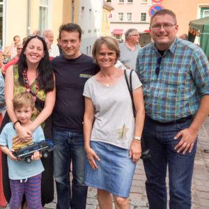 Jörg Müller, im dunklen Oberteil, und Alexis Taeger, ganz rechts.
