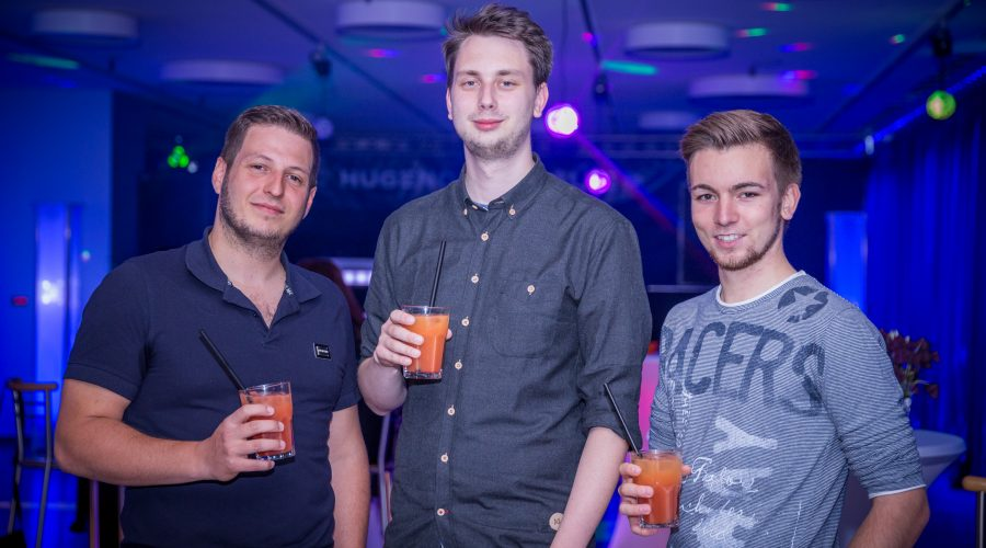 v.l.n.r.: Simon Gröpler (JuLi-Ortsvorsitzender), Luka Sinderwald (Vorsitzender der Region Offenbach) und Christian Kuschel (Stellvertretender Landesvorsitzender für Organisation der Jungen Liberalen in Hessen).