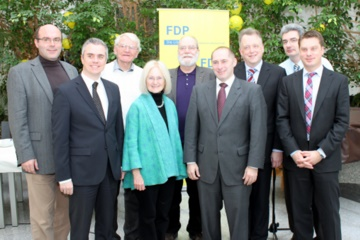 v.l.n.r.: Axel Vogt, Dr. Daniell Bastian, Werner Nickel, Jutta Schwarz, Gerhard H. Gräber, René Rock, Dr. Günter Gericke, Mathias Schmidt und Michael Schüssler.