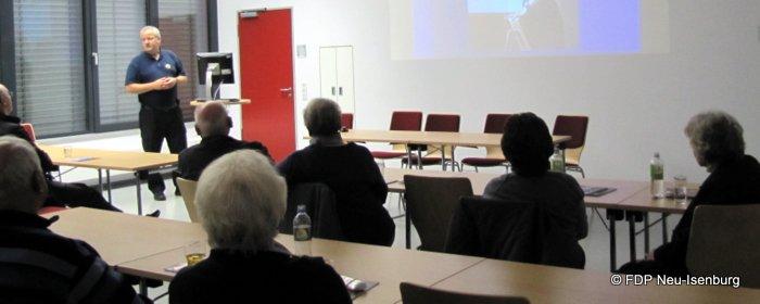 Stadtbrandinspektor Stefan Werner, bei seinem Vortrag