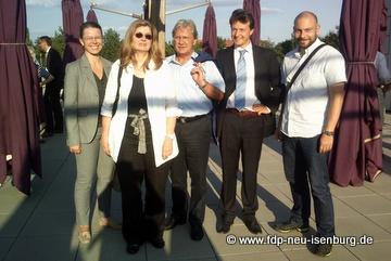 Liberale Delegation während der Ortsbegehung des Schwimmbad-Restaurants.