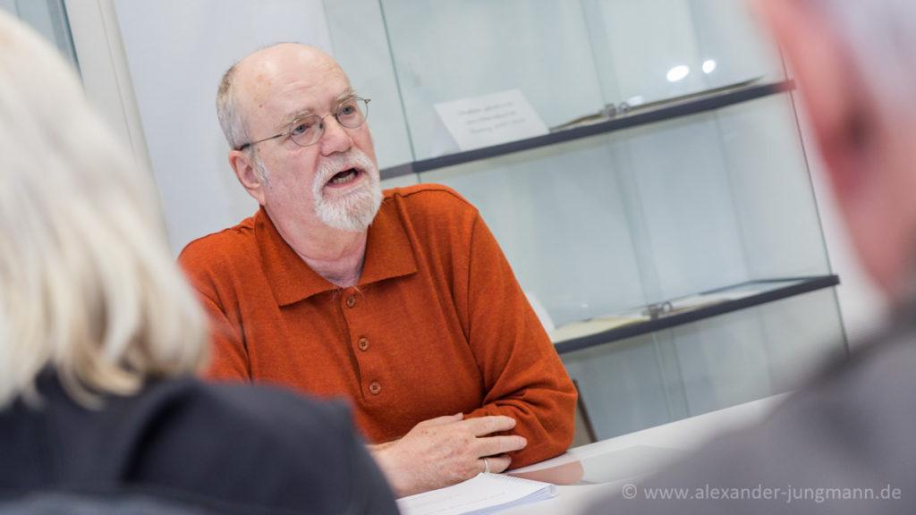 Gerhard Gräber, bei einer Lesung im April 2016.