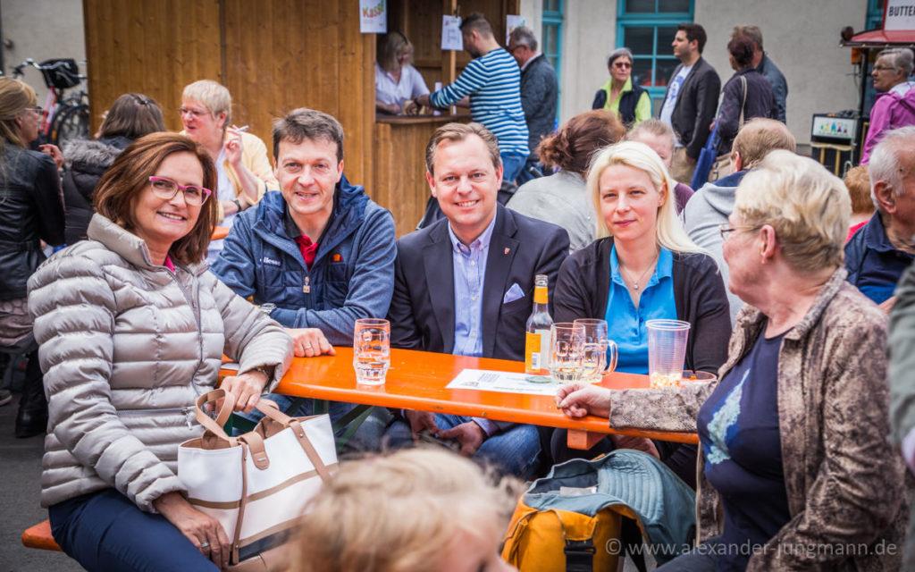 Jörg Müller, Thilo Seipel und Susann Guber, mitte hinten und ganz links, Constanze Celten, Stadtverordnete der CDU.