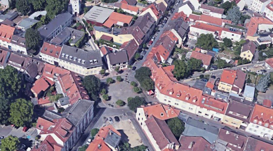 Der Marktplatz im Alten Ort aus der Vogelpersektive gesehen (Datengrundlage von www.google.de/maps, geränderte Vektorgrafik von www.alexander-jungmann.de)